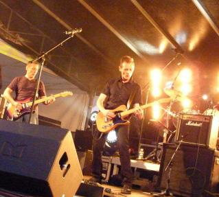 Barricades-2011-06-21-Melun-Fete de la musique